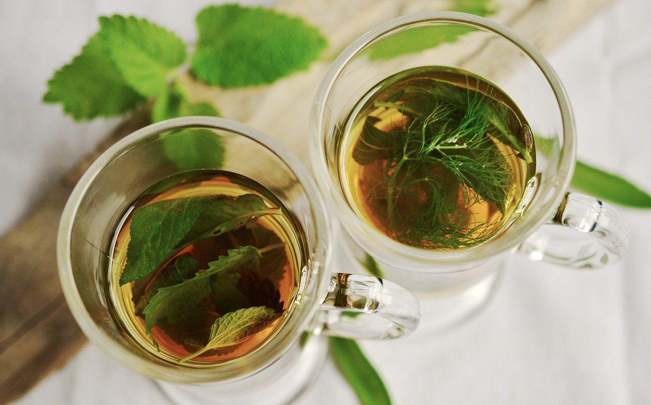 herbal tea as a home remedies for seasonal allergies